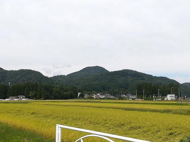 田園風景と山の画像