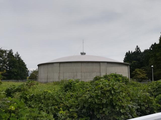 大きい配水タンクの画像